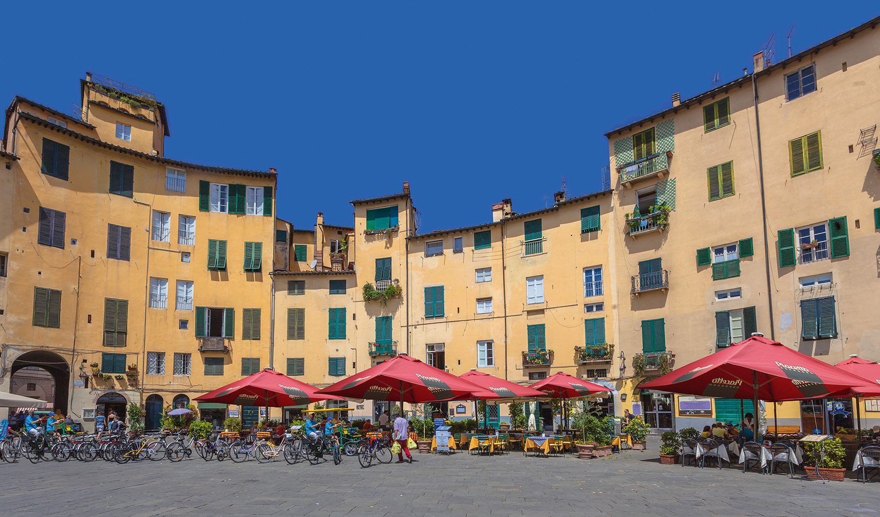 Coffee shops in Lucca